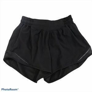 Lululemon | Hotty Hot Black Shorts Sz 4